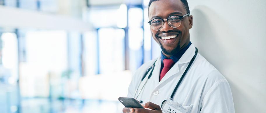 Como superar os desafios da indústria farmacêutica no relacionamento com os profissionais da saúde e pacientes